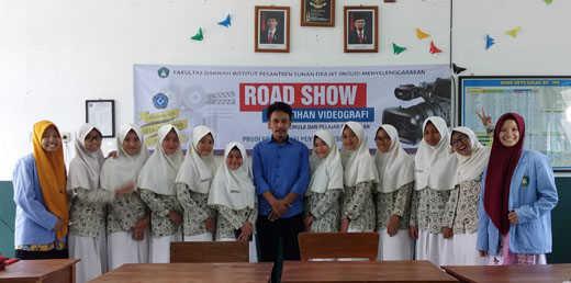KPI INSUD Road Show In SMA. Mazro'atul Ulum